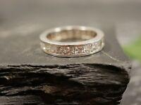 Funkelnder 925 Silber Ring Modern Zirkonia Memoire Memory Elegant Edel