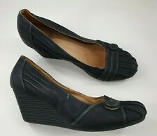 Tu size 7 (40) black faux leather wedge heel court shoes
