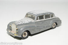DINKY TOYS 150 ROLLS ROYCE SILVER WRAITH TWO TONE GREY EXCELLENT CONDITION.