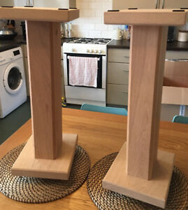 Solid Oak Wood Speaker Stands With Floor Spike In Great Condition Stunning