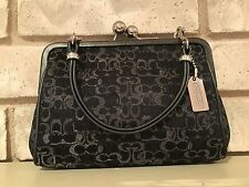 COACH Purse Black Kisslock Jacquard Clutch Handbag Evening Bag (8948)