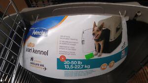 Petmate Ultra Vari kennel 30-50lb capacity cage carrier