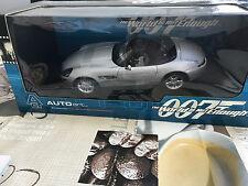AUTOart 70511 BMW Z8 (James Bond Version) Silber - Modell Maßstab 1:18