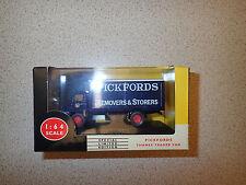 Ltd Edn Lledo Vanguards 1:64 V6003 Thames Trader Van Pickfords MIB Untouched