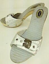 Dr Scholls SPICY Wos Sandals US 5M Silver Vegan Wood Heels Reptile Embossed 366