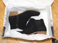 BNWT Kensie Garry Women's Short Suede Boots in Black / brown 5 sizes without box
