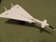 Built 1/200: American NORTH-AMERICAN XB-70 VALKYRIE Prototype Bomber Aircraft
