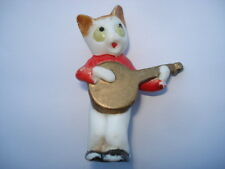 C1920S CAT PLAYING GUITAR BISQUE CAKE DECORATION
