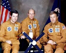 SKYLAB 2 CREW PETE CONRAD, JOE KERWIN & PAUL WEITZ - 8X10 NASA PHOTO (ZZ-958)