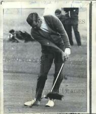 Press Photo Golfer Gay Brewer Swings Club on Greens - nos04407