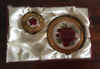 Unusual Pair Vintage 1950s Mirror Contacts 3D Flower Compacts Gold Tone 'crest'