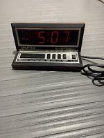 Spartus Electronic Digital Alarm Clock Apollo Model 1140 WoodGrain Vintage GUC!