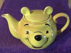 2000 Winnie the Pooh Face Teapot Disney Showcase Collection Cardew Design