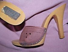 1980s Vintage well worn but in good shape Brown leather high heel mules 6 M