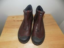 Gently Pre-Owned Women's Clarks Muckers Waterproof Brown Leather Ankle Boot - 7M