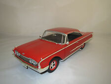 "Ertl/American Muscle  Ford  Starliner  (1960)  ""rot""  1:18 ohne Verpackung!"