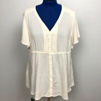 TORRID Women's Size 1 Short Sleeve Color Cream Button Down Blouse