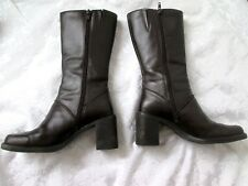 BASS 'SCARLET' 5M Brown Leather Side Zip Goring Insert Mid Calf BOOTS PREOWN EUC