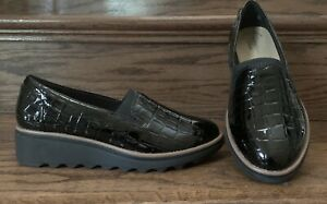 CLARKS Women's Sharon Dolly Loafer, Black Croc Patent, Size 6.5 Wide New