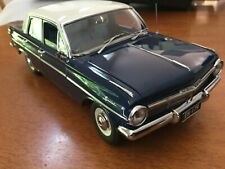 1:18 CLASSIC CARLECTABLES HOLDEN EH SPECIAL EDEN BLUE SEDAN MANUAL WHITE ROOF