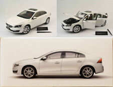 2015 volvo s60 Crystal white pearl Limited blanc 1:18 MOTOR CITY CLASSICS 88151