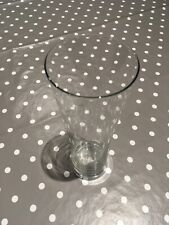 Glass Vases Used As Wedding Table Decorations