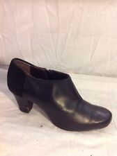 Clarks Black Ankle Leather Boots Size 4.5