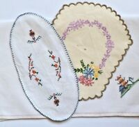 Vintage embroidered Linens - 3 pretty pieces