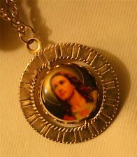 Lovely Ridged Goldtone Sacred Heart Queen of Heaven Cameo Spinner Medal Necklace