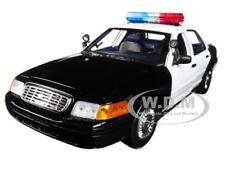 2001 FORD POLICE CAR PLAIN BLACK & WHITE W/ LIGHTS & SOUND 1/18 MOTORMAX 73991