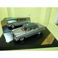Voitures de tourisme miniatures gris Mercedes