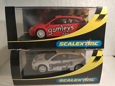 C 2471 A  -  C 2471 B  SCALEXTRIC UK FORD FOCUS WRC GAMLEYS 2002 RED - WHITE
