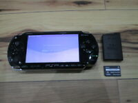 Sony PSP 1000 Console Piano Black w/battery Pack 32MB Memory Stick Japan o710