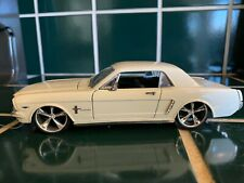 WHITE FORD MUSTANG SS 7734 1/24 1964 1/2 TOY CAR