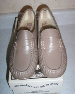 MINT, SAS COMFORT SHOES, CLASSIC MOCHA TAUPE-TAN LOAFER TYPE SHOES SIZE 7.5 W