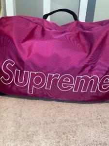 New Fall/Winter 2019 Magenta Supreme Duffle Bag New Never been Used.