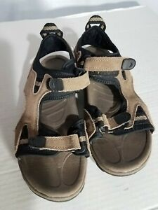 Men's Redhead Brown Suede Sandals Size 8M Hook and loop Straps
