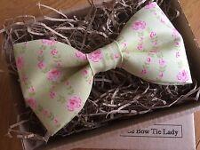 La Dama Corbata De Moño-Floral Algodón Verde Lima Pajarita
