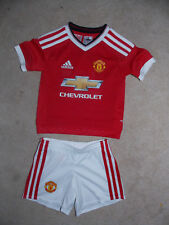 adidas Manchester United Minikit Home rotesTrikot und wieße Hose Gr. 92