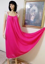 LUCIE ANN Vintage Nylon Nightgown FUCHSIA PINK Eyelash Lace Sleeve size M medium