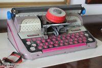 MACCHINA DA SCRIVERE GIOCATTOLO IN LATTA  ANNI 60 VINTAGE METTOY TYPE WRITER