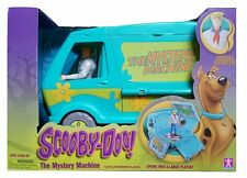 Scooby Doo! Mystery Machine with Fred Figurine