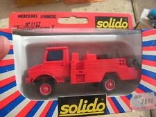 camion pompier  mercedes unimog      1/43 ref 22