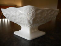 """Vintage Milk Glass Pedestal Small Compote Diamond No lid Candy dish ? 3"""" tall"""