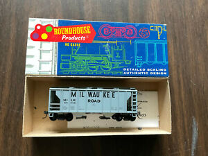 HO MDC Roundhouse Milwaukee Road Railroad 35' Covered Hopper Car 1436