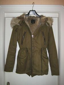 Damen Jacke von ZARA, Gr. XS, Farbe khaki m. Kunstfell
