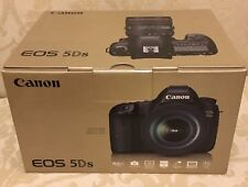 Brand NEW Canon DSLR Camera EOS 5Ds Body with EF 50mm f1.8 Lens & 430EX II Flash