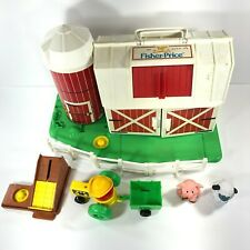 Vintage Fisher Price PLAY SET Play Family Farm Little People 1990