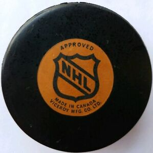 TORONTO MAPLE LEAFS OFFICIAL GAME PUCK VICEROY NHL VINTAGE SLUG MADE IN CANADA