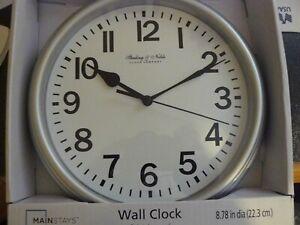 "STERLING & NOBLE CLOCK COMPANY 8.8"" RETRO ROUND WALL CLOCK"